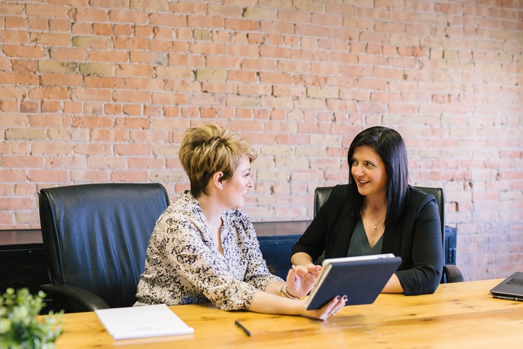 conduct-job-interview-blog-image